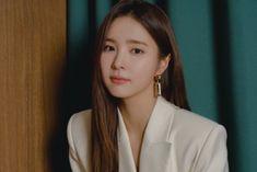 Yoo In Na Fashion, Beautiful Asian Girls, Most Beautiful, Shin Se Kyung, Cartoon Art Styles, Beauty Review, Korean Beauty, My Beauty, Fashion Art