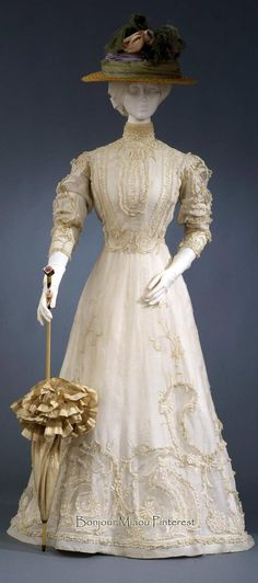 Afternoon dress, Italian, ca. 1903–05. Embroidered ecru cotton muslin. Costume Gallery of the Pitti Palace via Europeana Fashion