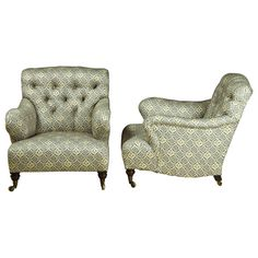 1stdibs | Exceptional Pair of Howard & Sons 'Bridgewater' Armchairs c.1900