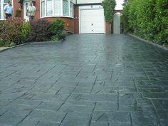 Dark grey slate style - front yard ideas no grass Stamped Concrete Driveway, Driveway Paving, Driveway Design, Driveway Landscaping, Concrete Driveways, Concrete Patio, Driveway Ideas, Grey Slate, Dark Grey