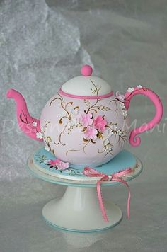 Tea Pot Cake by DLH.MOMMY