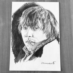 "Rupert Grint @rupertgrint . As one of the actors of ""Harry Potter"" @harrypotterfilm 🧙♂️movie 🎥🍿or known as Ronald Weasley. Follow tag: #uleo_portrait  You can find me also:  Patreon: https://www.patreon.com/ulianna_leonova  Pinterest: https://ru.pinterest.com/ulianna_leonova/  Telegram: t.me/art_cosmos Twitter: https://twitter.com/ulianna_leonova #art #art🎨 #pencils #pencil #monochrome #portrait #artwork #artlover #rupertgrint #ronaldweasley #harrypottermovies #hp #aportraits #artshub"