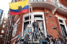 Julian Assange speaks to the media from the balcony of the Embassy Of Ecuador on May 2017 in London, England. U.s. States, United States, Lenin Moreno, Liberal Left, Election Process, Clinton Campaign, Us Election, Supreme Court, The Guardian