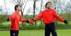 Жерар #Пике: Нет игрока, который так же амбициозен, как Криштиану  Защитник «Барселоны» Жерар Пике в интервью для TV3 рассказал о времени в «Манчестер Юнайтед», которое он провел с форвардом мадридского «Реала» Криштиану #Роналду.  «Мои отношения с партнерами в «Манчестер Юнайтед» были хорошими с тремя или четырьмя игроками. Криштиану я понимал лучше всех. Он рожден, чтобы быть конкурентоспособным, машиной. Его разум, каждый дюйм его тела сформированы так, чтобы попытаться стать лучше день…