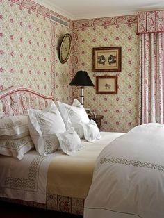farmhouse bedroom (via Pinterest)