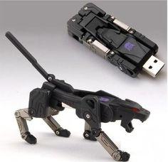 Transformers usb-drive. Cool!