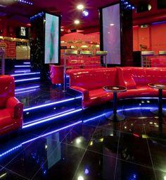 Discoteca Shangai en el centro de Madrid, discoteca moderna, designer by Aurora Gámez, colour, red, disco, party