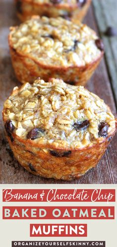 Banana and Chocolate Chip Baked Oatmeal Cups Baked Oatmeal Muffins, Baked Oatmeal Recipes, Banana Chocolate Chip Muffins, Baked Banana, Chocolate Oatmeal, The Oatmeal, Breakfast Cups, Breakfast Recipes, Banana Breakfast
