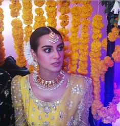Iqra Aziz and Yasir Hussain Wedding Held 27 December 2019 Barat, Walima and Mehndi All events pictures Iqra Aziz, Event Pictures, Walima, Mehndi, Pakistani, Hold On, December, Chokers, Celebrity