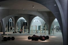 Tama Art University Library (Japan). Inspired by nature, which never creates identical works, each arch is different.