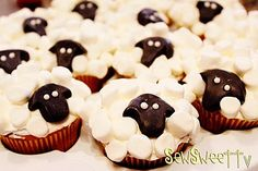 lil' sheep cakes! Check them out at: http://sewsweettv.blogspot.com/2011/09/lil-sheep-cakes.html
