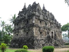 Buddhist Temples-Monasteries in Indonesia Buddhist Temple, Barcelona Cathedral, Photo Art, Buddha, Temples, Java, Travel, Club, Photos