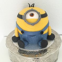 Big minion birthday cake