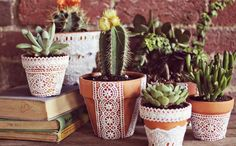 Make These Pretty Lace Flower Pots