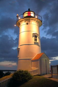 .love lighthouses Me too... They remind me there is always a light in the dark.