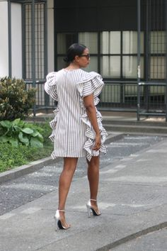 Short African Dresses, Short Gowns, Latest African Fashion Dresses, African Print Fashion, Classy Dress, Classy Outfits, Mother Daughter Fashion, Ruffle Dress, Fashion Outfits