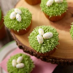 Even if kids come back from the egg hunt with just a few eggs, you can have a fun egg-topped cupcake waiting for them! The decorating is easy, with pull-out icing grass topped by Candy Clay eggs that are speckled with dazzling icing colors.