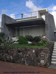 Sao Jorge Azores Real Estate   This is quite a nice development with several villas overlooking the ...