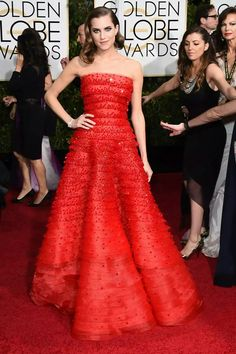 10. Superb Allison Williams in a  multilayered sparkling red Armani Privé ball gown at the Golden Globes 2015.