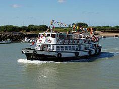 El Vapor de El Puerto era una motonave que unía Cádiz con El Puerto de Santa María. El barco estuvo activo desde 1955 hasta las 18:15 aproximadamente el 30 de agosto de 2011, Varadero, Santa Maria, Cadiz, Granada, Boat, Pista, Wordpress, Homes, Wave