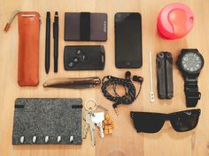 Hard Graft DrawPen Case Ajoto Black Rollerball Pen Rotring 800 Machine Era Wallet Car key Alain Berteau Atoma Notebook Laguiole Damascus iPhone 5 Keepcup espresso size + metal spoon Leatherman Wave Black Oxide Oakley Holbrook Polarized Nixon 51-30 Chrono Watch  Cameraman in Brussels, Belgium  [[MORE]]  I'm a camera & steadicam operator based in Belgium. This is all I need in my pocket. The most important thing is my morning coffee to start the day.