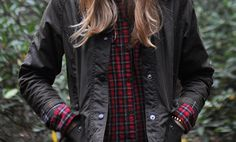 "nativeblonde: "" A Native Blonde: Living in my Barbour Beadnell this fall. Barbour Jacket Women, Barbour Quilted Jacket, Red Flannel, Cool Style, My Style, Playing Dress Up, Autumn Winter Fashion, Style Inspiration, Morning Inspiration"