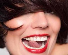 """Get the """"Hollywood"""" smile Chester Cheshire, Beauty News, Hair Beauty, Lips, Hollywood, Smile, Pictures, Classic, Women"""