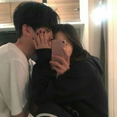 Image about couple in ( ulzzang ) by ; ⊹ ✧ on We Heart It Korean Girl Ulzzang, Couple Ulzzang, Mode Ulzzang, Korean Aesthetic, Couple Aesthetic, Relationship Goals Pictures, Cute Relationships, Cute Couple Pictures, Couple Photos
