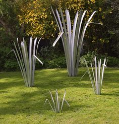 4 Available Sizes Of Phormium Sculpture   Unaffected By Drought, Flooding  Or Bugs! #