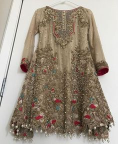 Honordresses is an excellent online clothing store. You will have all the clothes you need at a good price.Welcome to buy, secure payment and fast delivery. Pakistani Party Wear, Pakistani Wedding Outfits, Pakistani Dresses Casual, Pakistani Dress Design, Indian Dresses, Pakistani Mehndi Dress, Indian Outfits, Stylish Dresses For Girls, Girls Dresses