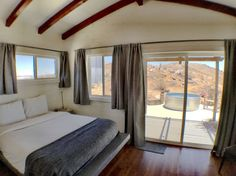 Starfire: TheLifeAlteringExperience - Houses for Rent in Joshua Tree, California, United States