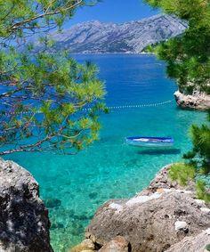 Brela, Croatia. Photo: Łukasz Milena-Fidera-Pigdanowicz #croatia #brela