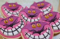 Top 10 Alice In Wonderland Party Food Ideas and Recipes, Cheshire Cat Cookies! Alice In Wonderland Food, Wonderland Party, Mad Hatter Party, Mad Hatter Tea, Mad Hatters, Cheshire Cat Cake, Movie Crafts, Cat Cookies, Alice Tea Party