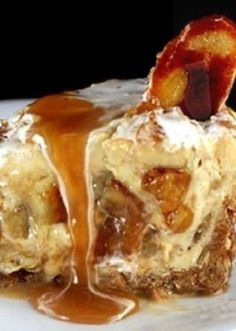 Caramelized Banana Pudding Cheesecake with Salted Cashew Praline this could kill me........lol