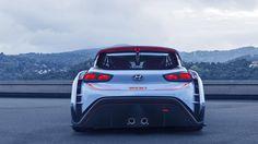 Hyundai RN30'da 380 beygirgüç üreten 2.0 litre'lik turbo ünite görev yapıyor. Hyundai bu performans motorundan 451 nm gibi bir tork değeri elde ediyor. Markayı şu anda WRC'de temsil eden i20 modelindeki değerlere benzer değerler RN30'da da karşımıza çıkıyor. 4×4 platform üzerine konumlandırılan RN30'un şanzıman ayağında çift kavrama sistemi görev alıyor. Hyundaki RN30'un asfalt ayağında görev yapacak Hyundaki i30N'in de kesin olmamakla birlikte dört tekerlekten çekiş sistemi ile sunulması…