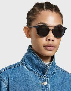 7776b5d7716 Le Specs - Demo Mode Sunglasses -  69.00 Embossed Logo