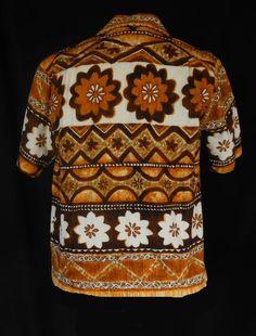 Vintage 60s Mens Hawaiian Shirt - Tiki Tapa Horizontal Print Cotton Barkcloth Shirt by Liberty House Hawaii - Size M