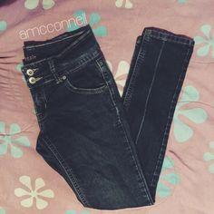 Puzzle Double Button Jeans Cute jeans. Double buttons. Size 5/6 . Stretch Puzzle Jeans Skinny