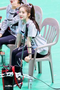 180820 아육대 #아이린 #Irene  #레드벨벳 #RedVelvetpic.twitter.com/wDe4hlW8MN Kpop Girl Groups, Korean Girl Groups, Kpop Girls, Red Velvet アイリーン, Red Velvet Irene, Seulgi, Redvelvet Kpop, My Bebe, Girl Bands