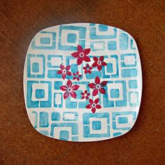 Retro Party Platter Made with DecoArt Glass Paint and Stencils | Morena's Corner