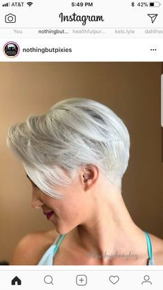 Short pixie haircuts are much liked by the fashionable women and top celebs all around the world. Here you can see beautiful platinum short pixie haircuts Buzz Haircut, Pixie Haircut Styles, Short Pixie Haircuts, Hairstyles Haircuts, Short Grey Hair, Short Blonde, Short Hair Cuts, Short Hair Styles, Pixie Cuts