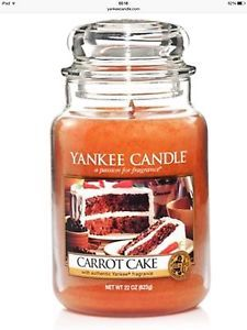 Yankee Candle Carrot Cake : Relive cozy afternoons when the satisfying aroma of spiced, fresh-baked carrot cake with walnuts filled the kitchen. Scented Candles, Yankee Candles, Buy Candles, Candle Diffuser, Diy Father's Day Gifts, Candels, Freshly Baked, Carrot Cake, Bath And Body Works