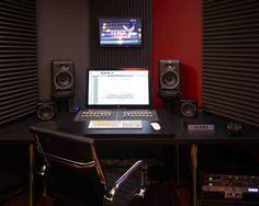 Control Room Work Station 1, Fenix Club, San Rafael, CA Photographer: John Merkl