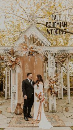 Orange Wedding Themes, Modern Wedding Theme, Burnt Orange Weddings, Gold Wedding Theme, Fall Wedding Cakes, Wedding Reception Decorations, Boho Wedding, Wedding Colors, Wedding Flowers