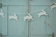 bunny bunting - LOVE hey @Mary Beth Rosebrough look what i found that someone pinned!!
