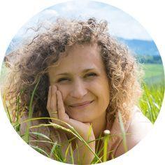 Maseczka z kurkumy - poznaj jej fantastyczne właściwości Natural Make Up, Geraniums, Diy Beauty, I Foods, Good To Know, Health And Beauty, Dreadlocks, Homemade, Hair Styles