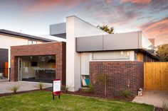 VISION 25 Hallbury Homes Vision 25 is a modern, open-plan home with large living…