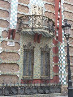 Antoni Gaudí > Casa Vicens, aan de Carrer de les Carolines in de wijk Gràcia, Barcelona, 1883-1889