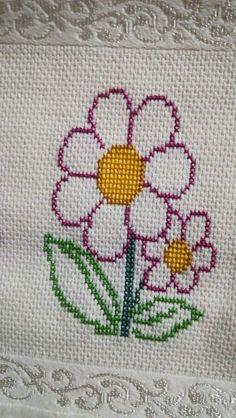 Easiest Crochet Frills Border Ever! Cross Stitch Tree, Cross Stitch Heart, Cute Cross Stitch, Cross Stitch Borders, Crochet Borders, Cross Stitch Flowers, Cross Stitch Designs, Cross Stitching, Cross Stitch Embroidery