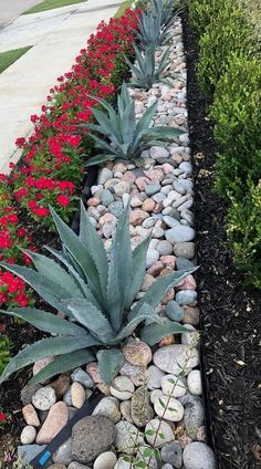 Front Yard Landscaping Ideas - Steal these affordable and very easy landscape design ideas for an attractive backyard. Front Yard Landscaping Ideas - Steal these affordable and very easy landscape design ideas for an attractive backyard. Stone Landscaping, Landscaping With Rocks, Outdoor Landscaping, Outdoor Gardens, Luxury Landscaping, Diy Landscaping Ideas, Landscaping Plants, Inexpensive Landscaping, Landscaping Front Yards